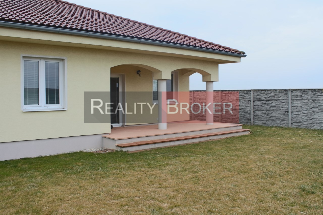 REALITY BROKER ponúka na predaj pekný rodinný dom typu – bungalow