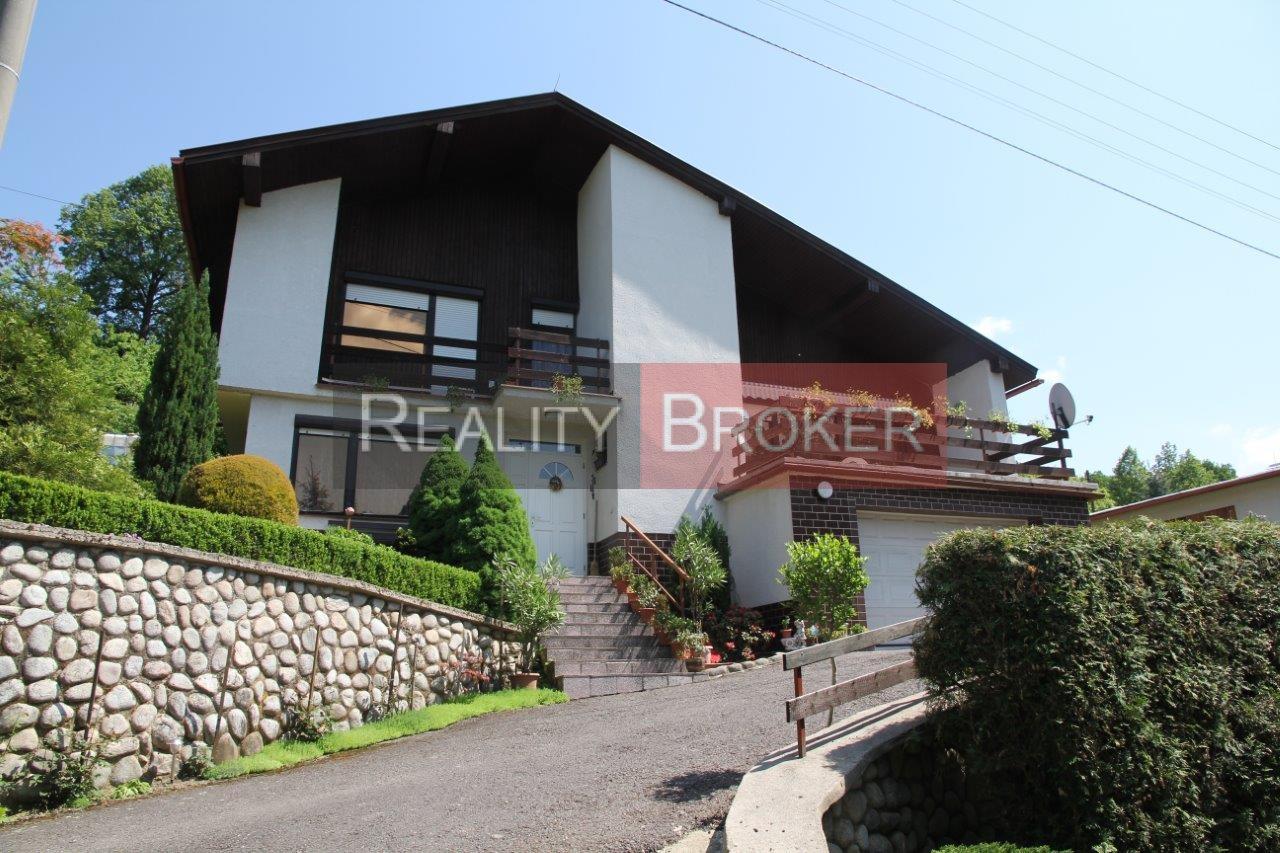 REALITY BROKER ponúka na predaj pekný rodinný dom v Novej Bani