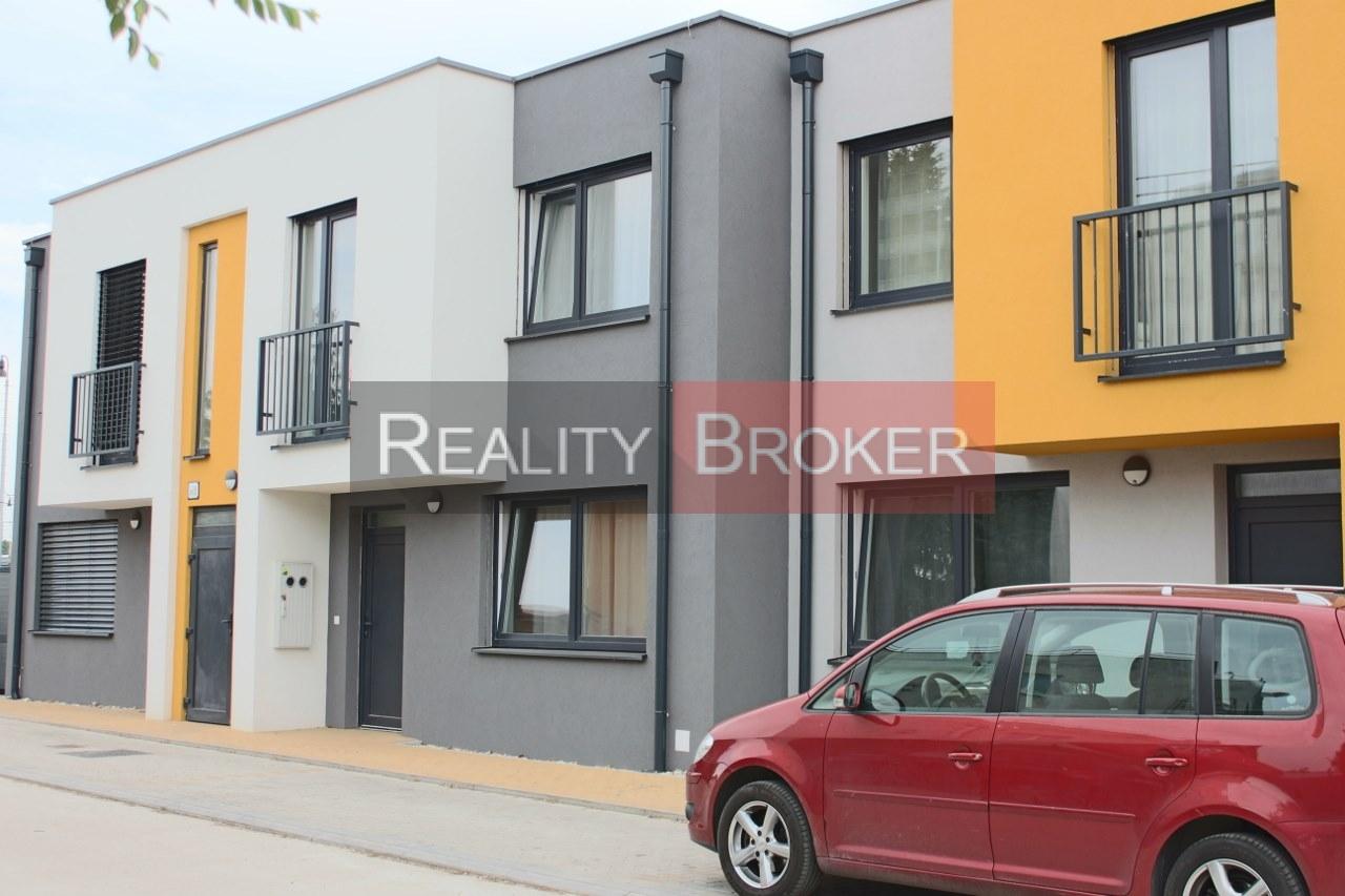 REALITY BROKER ponúka na predaj 3 izb. byt v novostavbe priamo na Slnečných jazerách – JUH