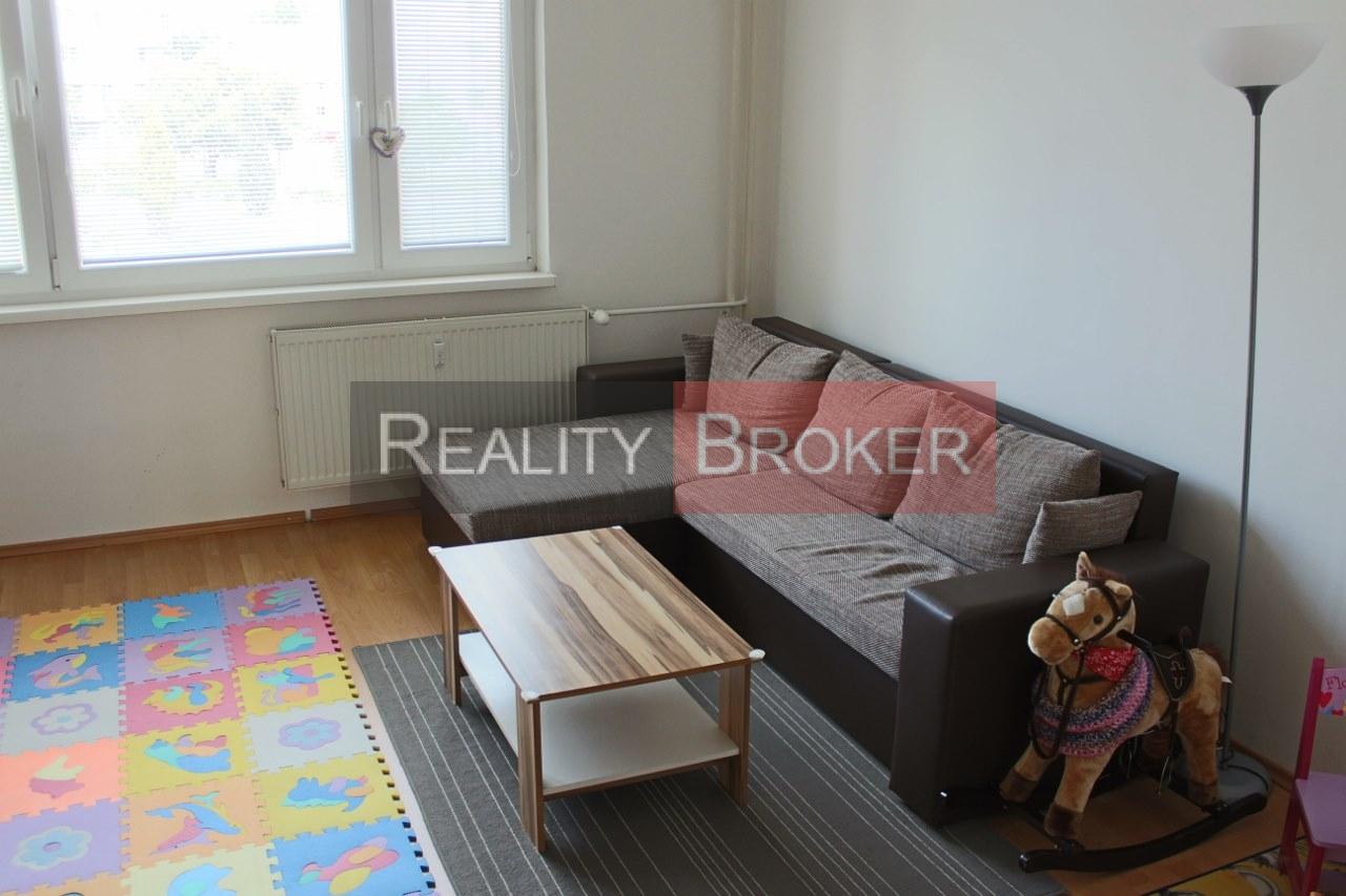 REALITY BROKER ponúka na predaj pekný 2 izb. byt v centre mesta Senec
