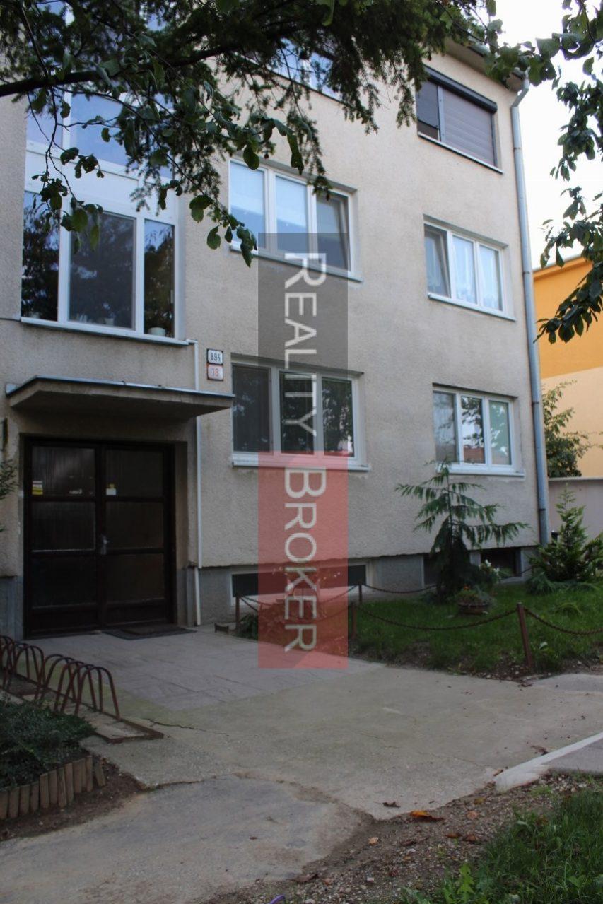 Reality Broker ponúka na predaj 3 izb. byt v Bernolákove s garážou