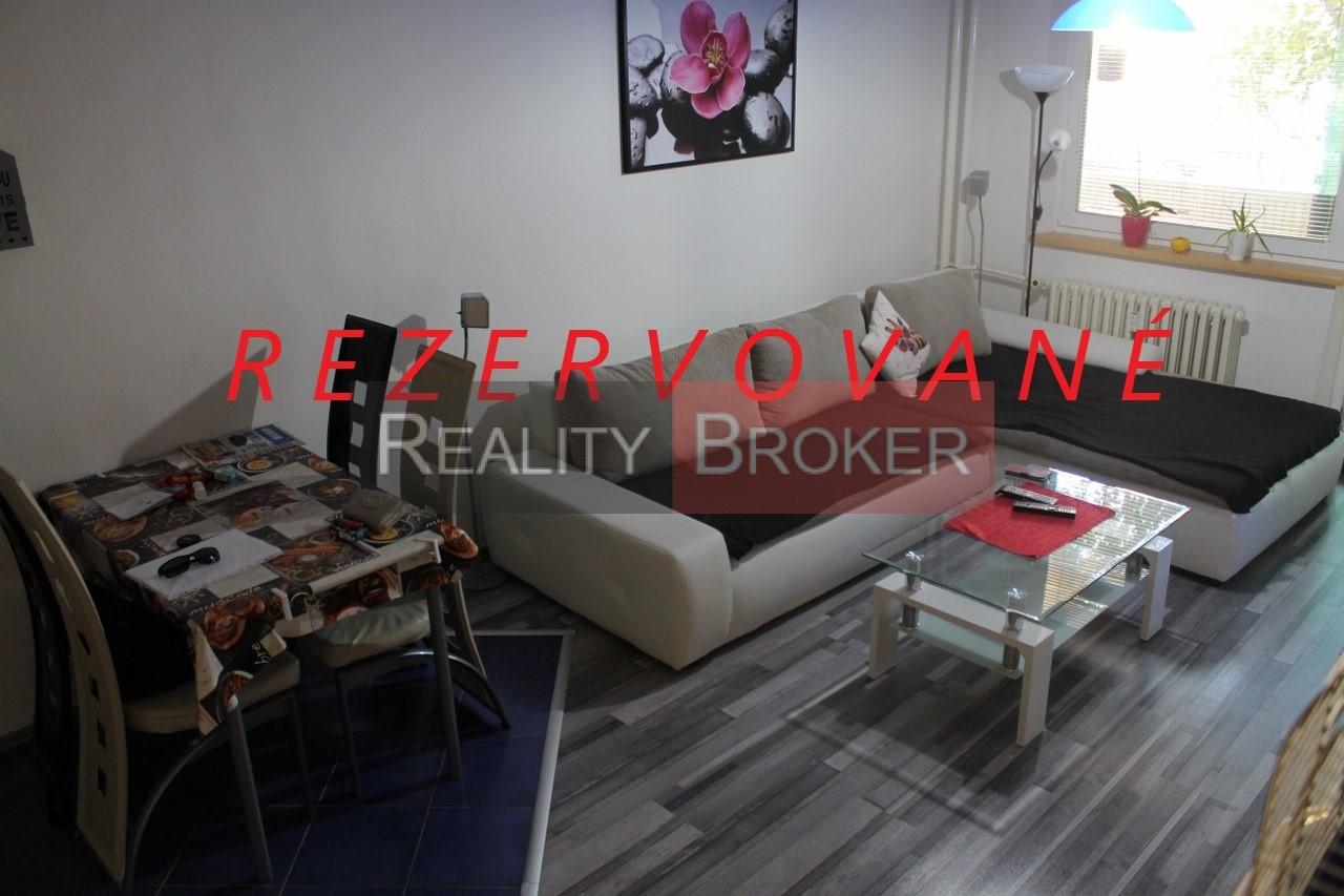REALITY BROKER ponúka na predaj pekný 3 izb. byt po kompletnej rekonštrukcii