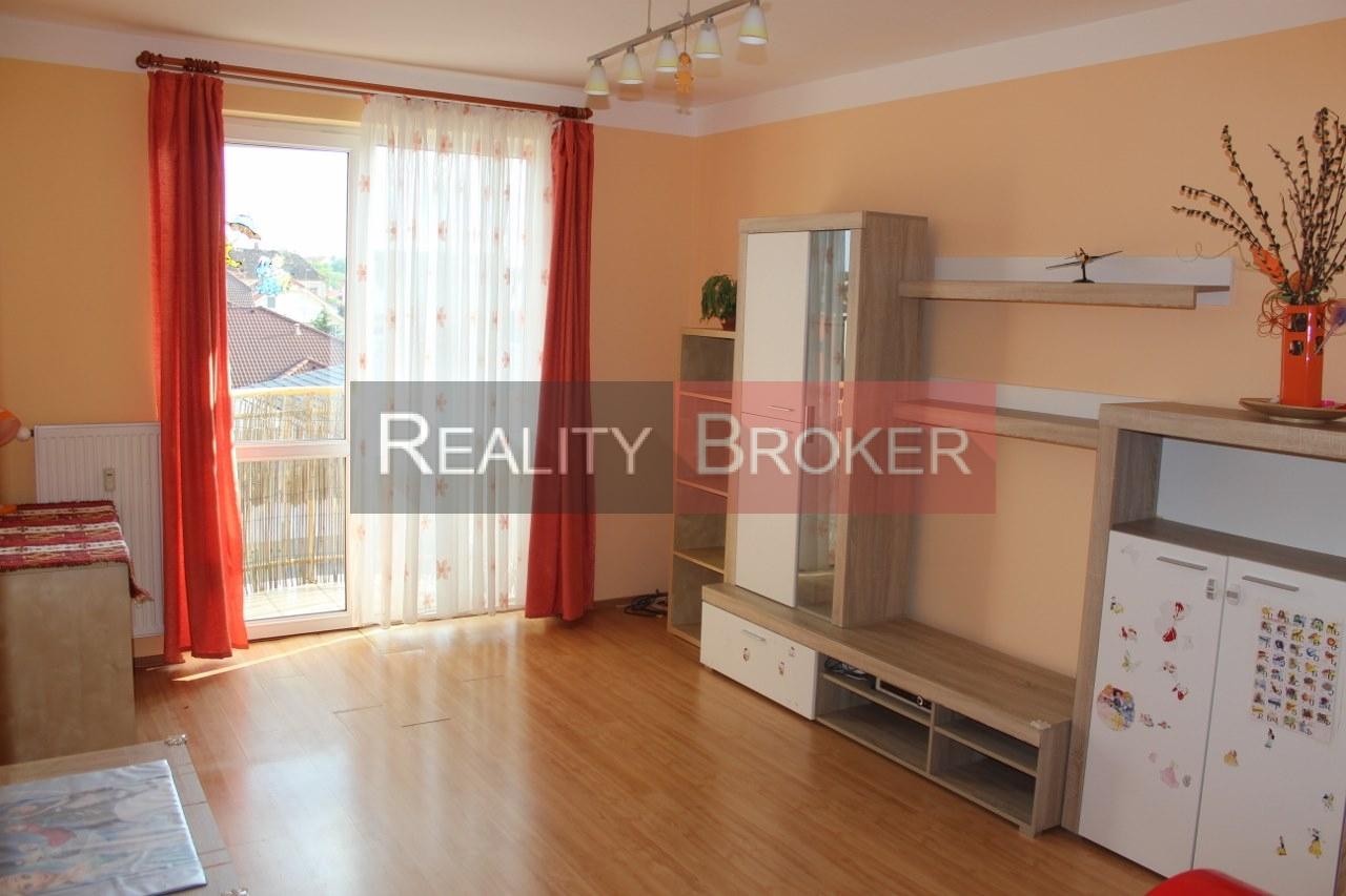 REALITY BROKER ponúka na predaj pekný 2 izb. byt v tichej lokalite Senca