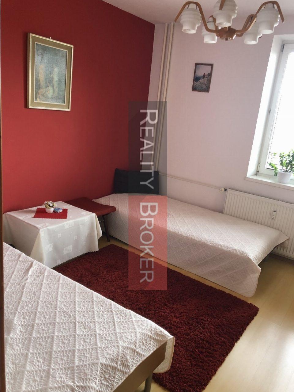 PREDAJ – ZÁMENA – REALITY BROKER ponúka na predaj pekný 3 izb. byt s loggiou v centre mesta