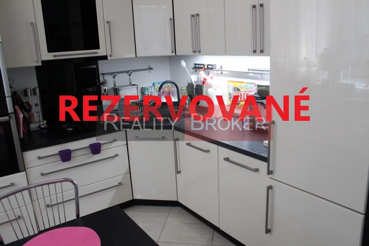REALITY BROKER ponúka na predaj 3 izb. byt v centre mesta po kompletnej rekonštrukcii