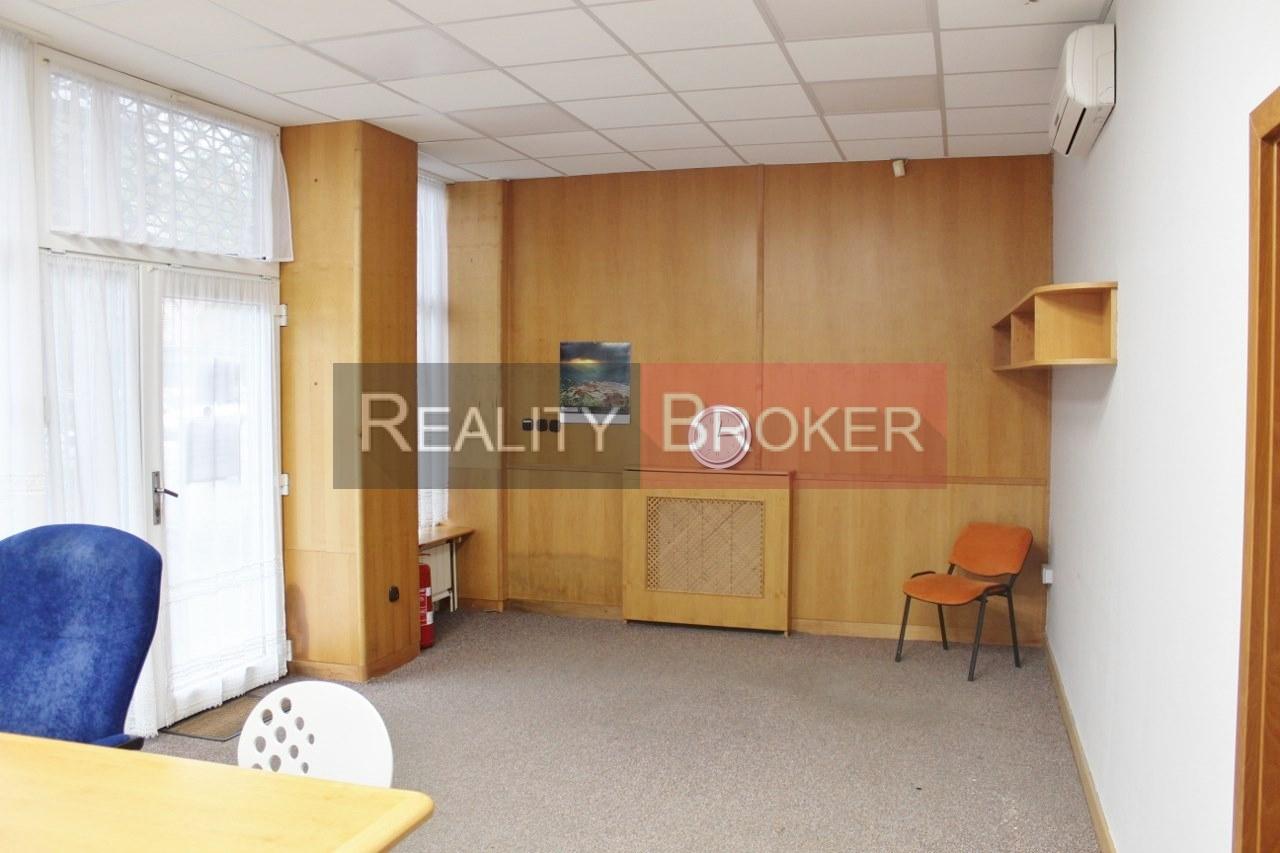 REALITY Broker ponuka na prenájom pekný priestor na podnikanie v centre mesta