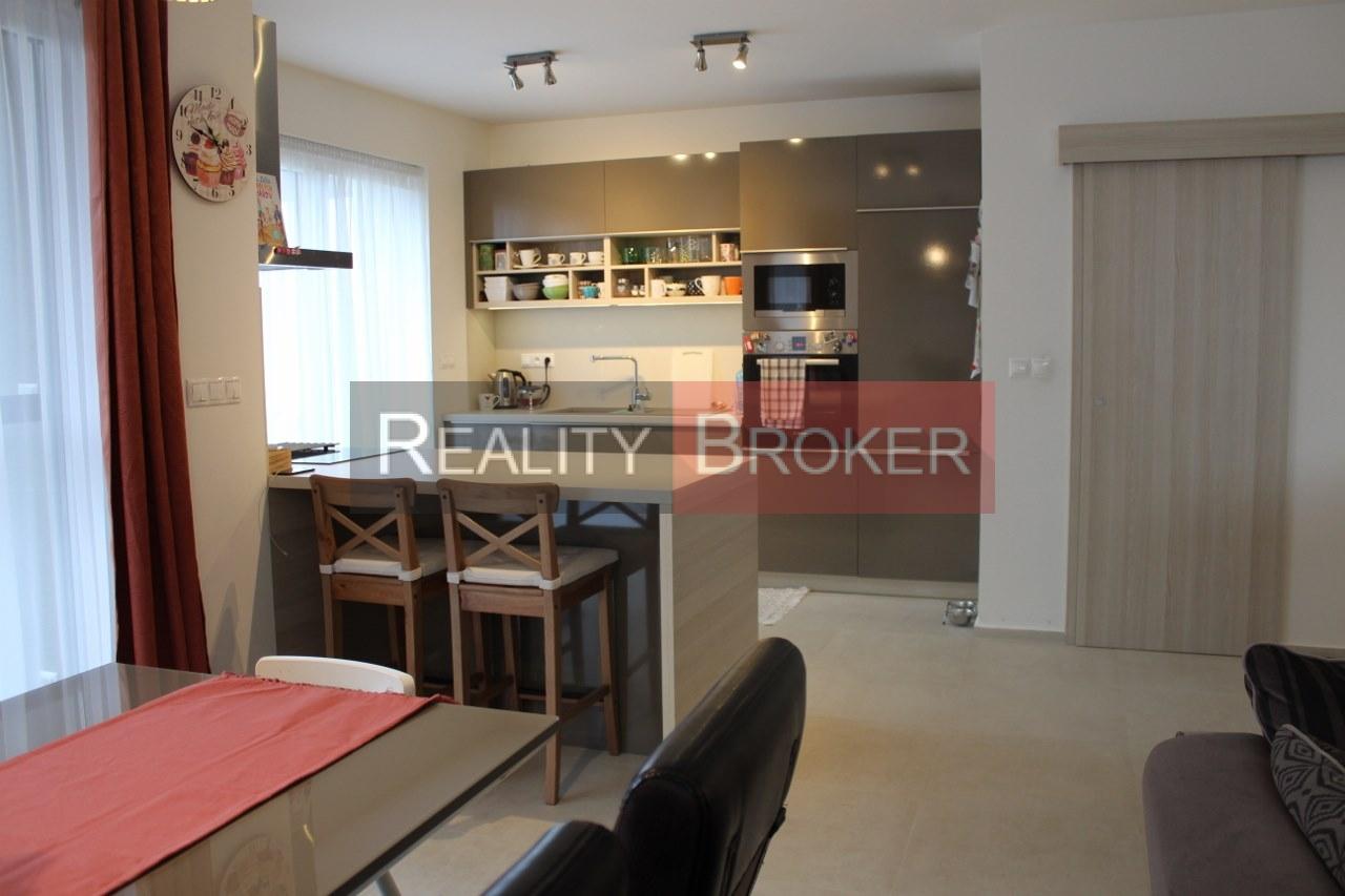 Reality Broker ponúka na predaj peknú 4 izb. NOVOSTABU rodinného domu v Ivanke pri Dunaji