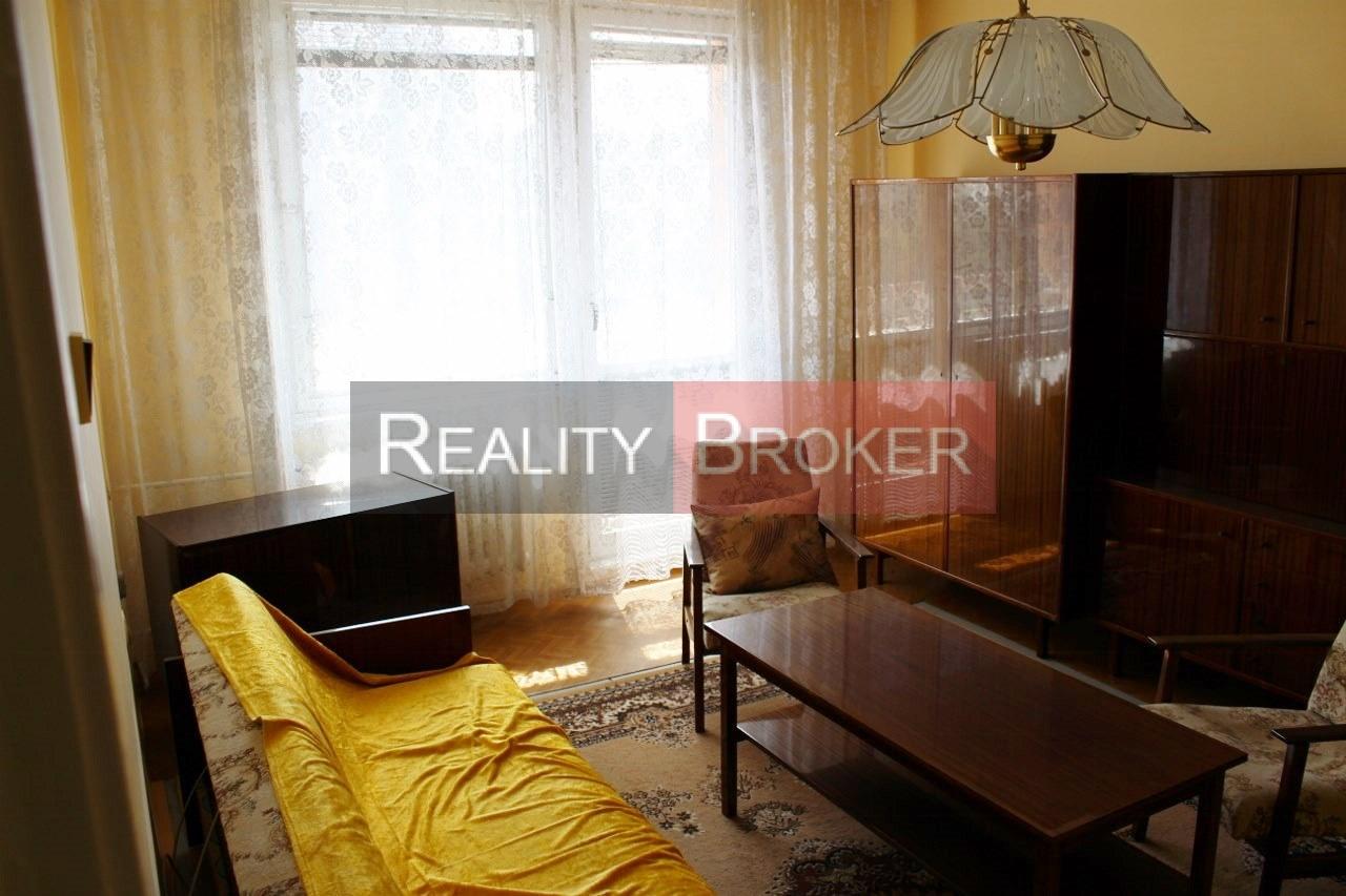 VIDEO – REALITY BROKER ponúka na predaj pekný 2,5 izb. byt v centre Galanty – štvrť SNP