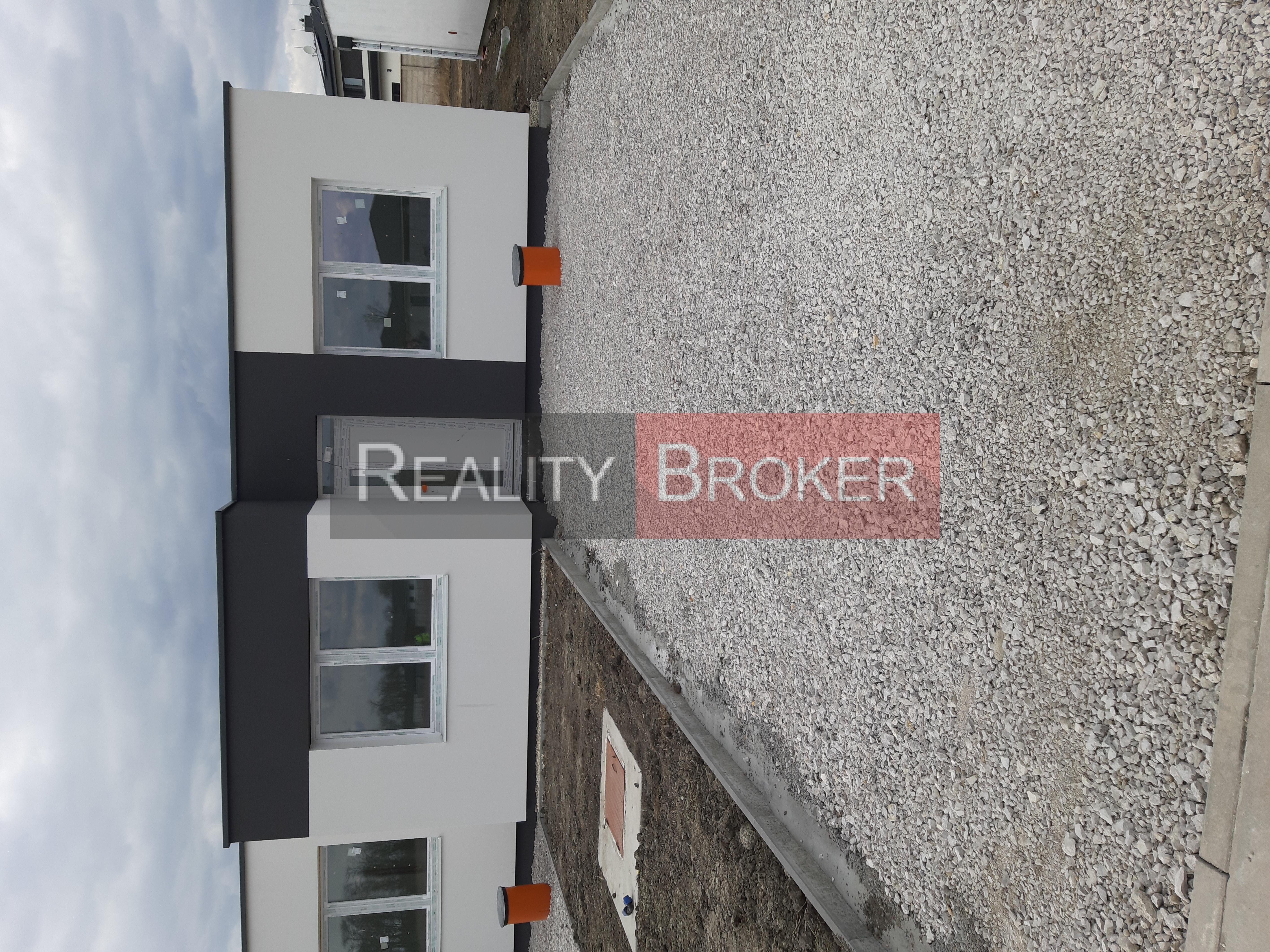 REALITY BROKER ponúka na predaj NOVOSTAVBY RD v obci Veľké Úľany.