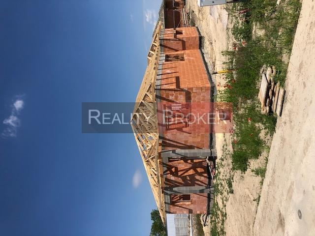 REZERVOVANÉ  –  REALITY BROKER ponúka na predaj 5 izb. rodinný dom v k.u. Senec časť Južná brána