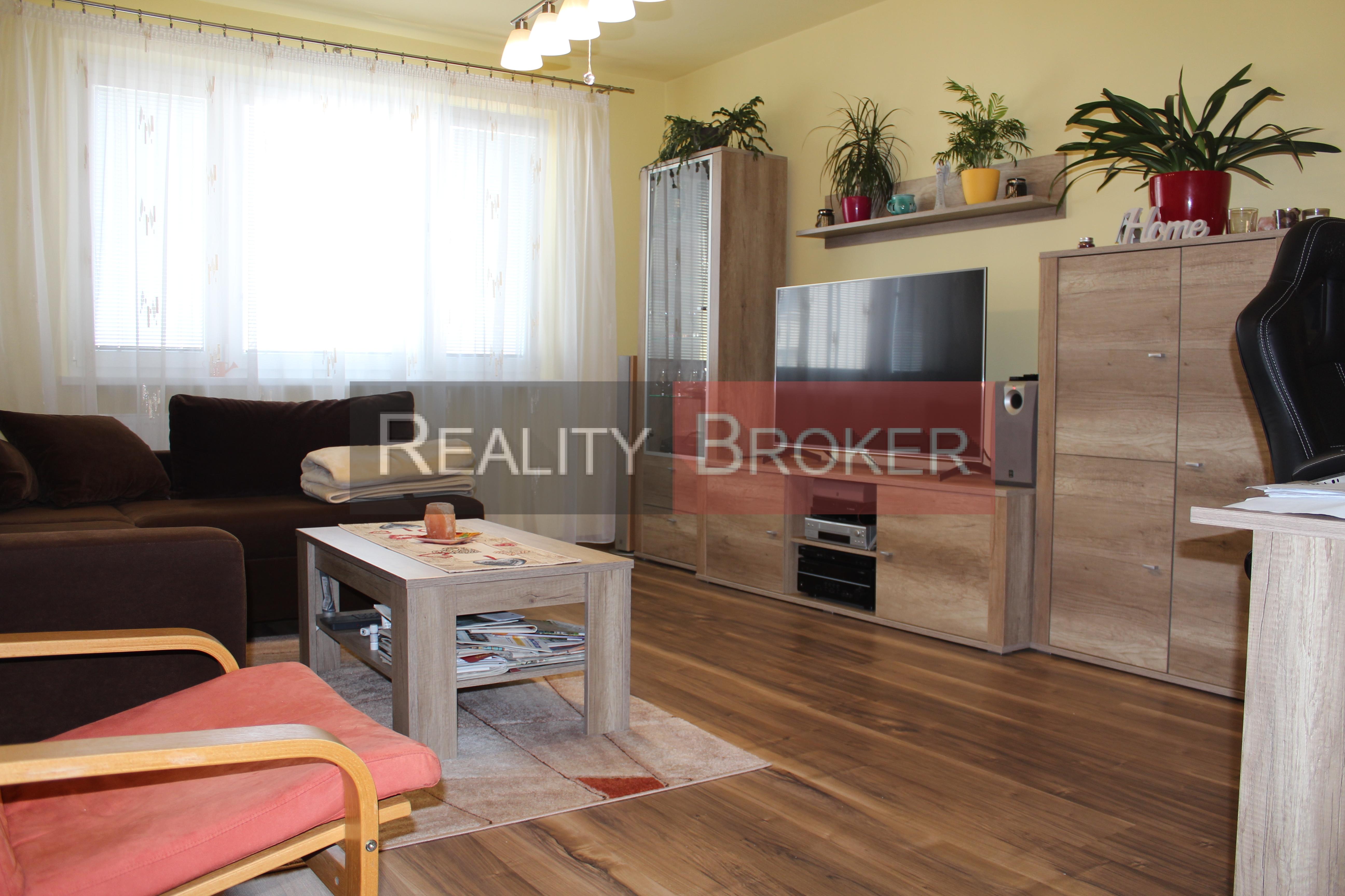 REZERVOVANÉ – REALITY BROKER ponúka na predaj veľmi pekný, priestranný 3 izb. byt v centre mesta – po kompletnej rekonštrukcii