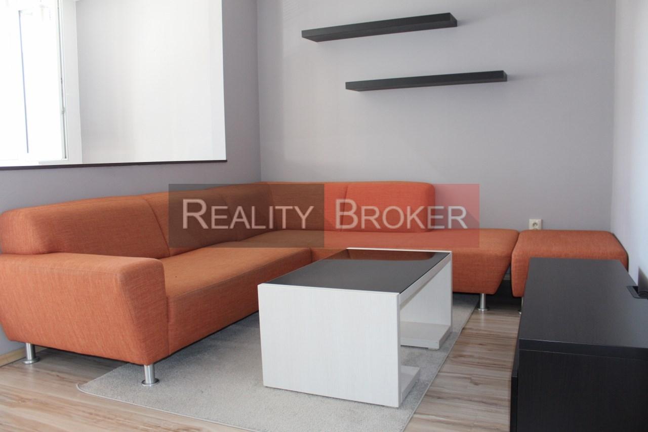 REZERVOVANÉ – REALITY BROKER ponúka na predaj veľmi pekný 3 izb. byt v tichej lokalite Senca po kompletnej rekonštrukcii