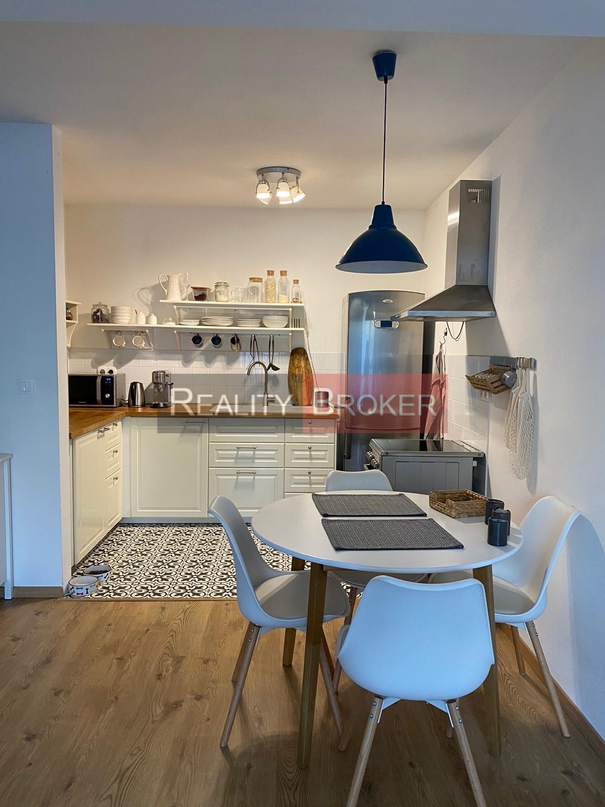 REALITY BROKER ponúka na prenájom pekný 2. izb. byt v NOVOSTAVBE s výťahom plus parkovacie miesto